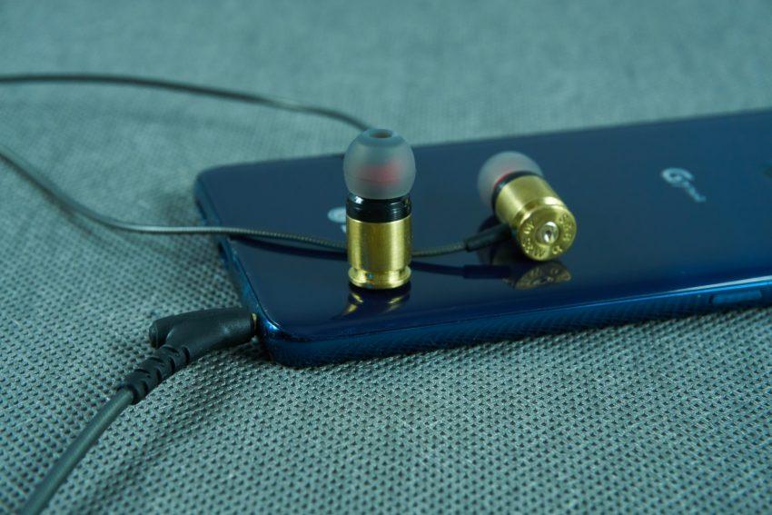 Federal 40 Sicario - recenzja wystrzałowych słuchawek dokanałowych 32
