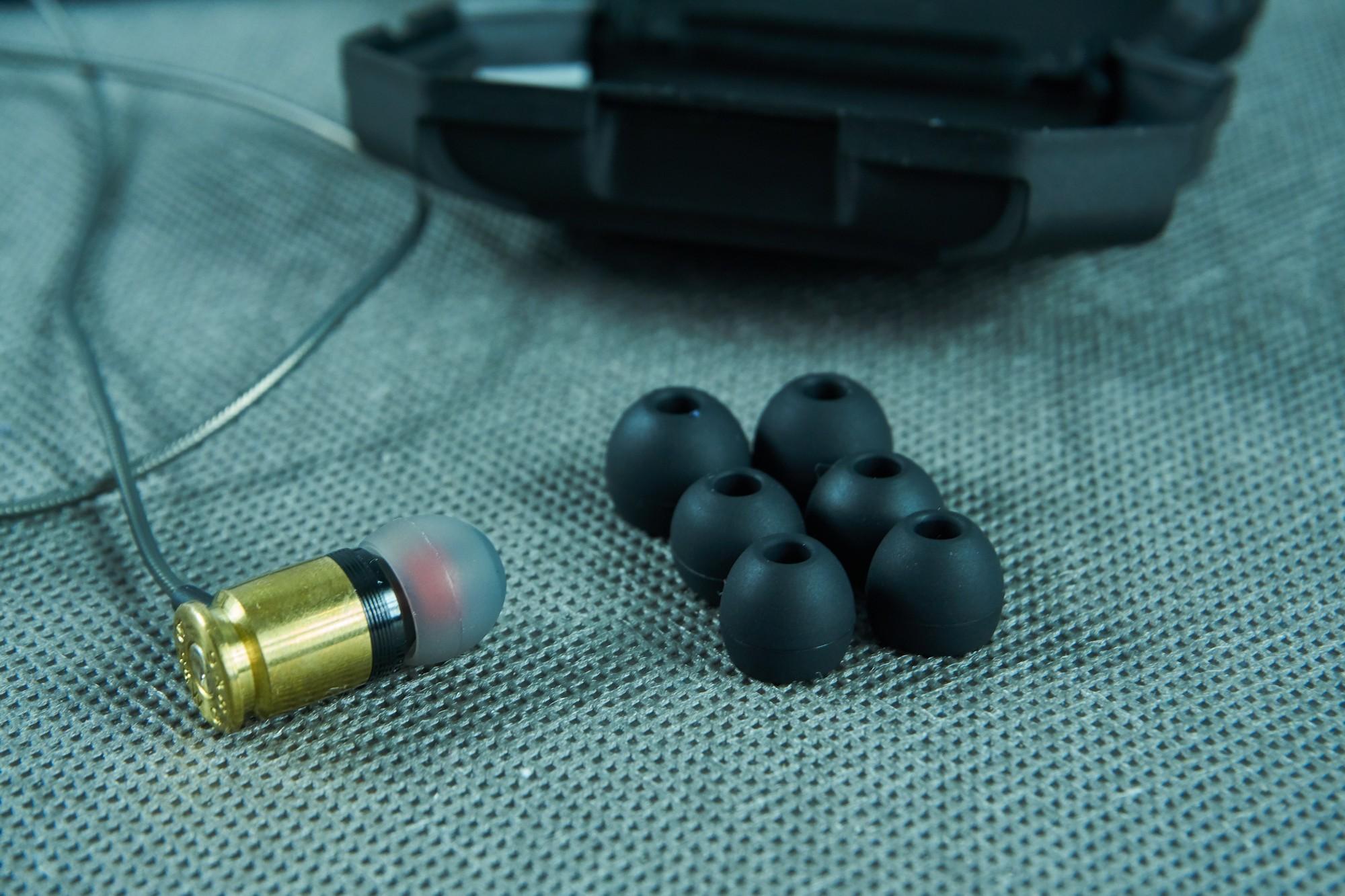 Federal 40 Sicario - recenzja wystrzałowych słuchawek dokanałowych 25