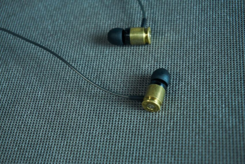 Federal 40 Sicario - recenzja wystrzałowych słuchawek dokanałowych 22