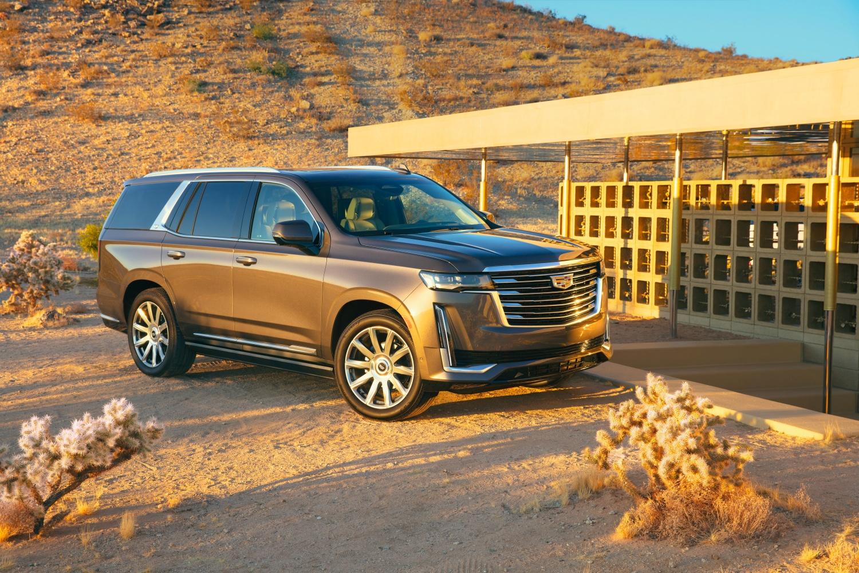 Nowy Cadillac Escalade dostał imponujący, 38-calowy ekran OLED 23