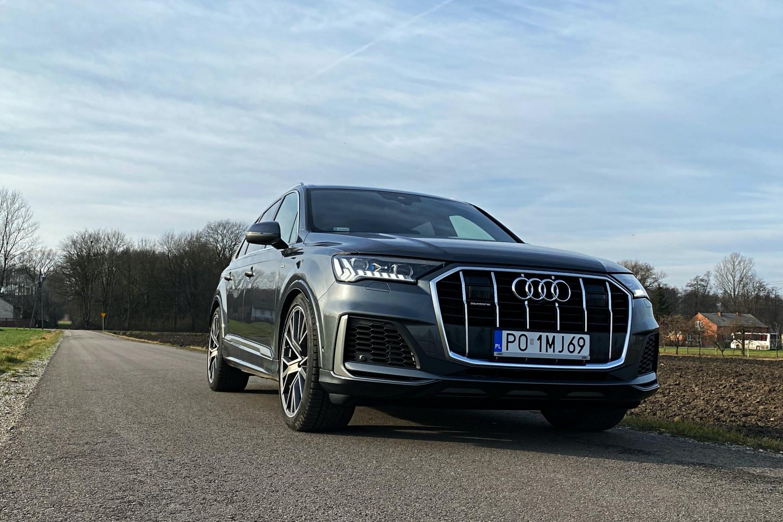 Audi Q7 - cztery pierścienie i aż trzy ekrany. Test technologii po face liftingu 18