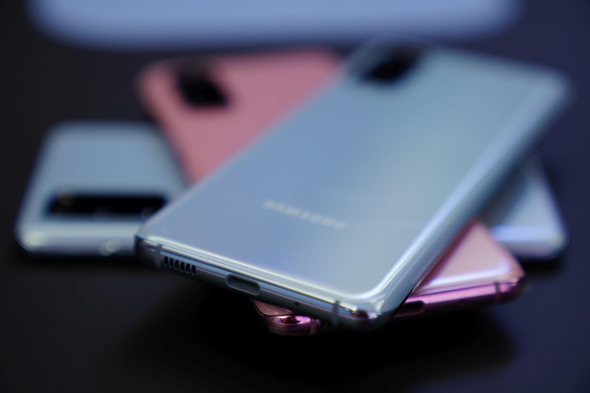 Samsung Galaxy S20 dopiero zadebiutował, a już można go kupić 300 złotych taniej