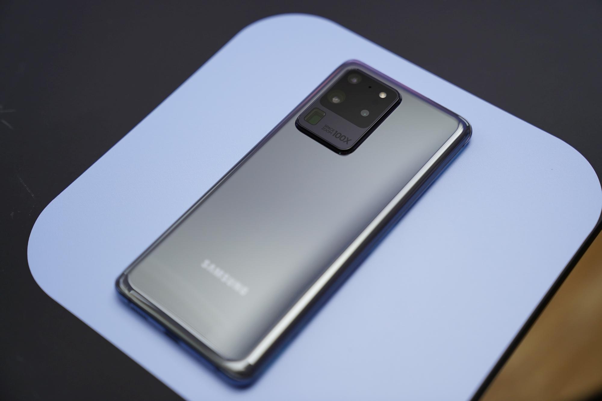 Samsung Galaxy S20 Ultra 5G jest drogi, bo jest drogi w produkcji