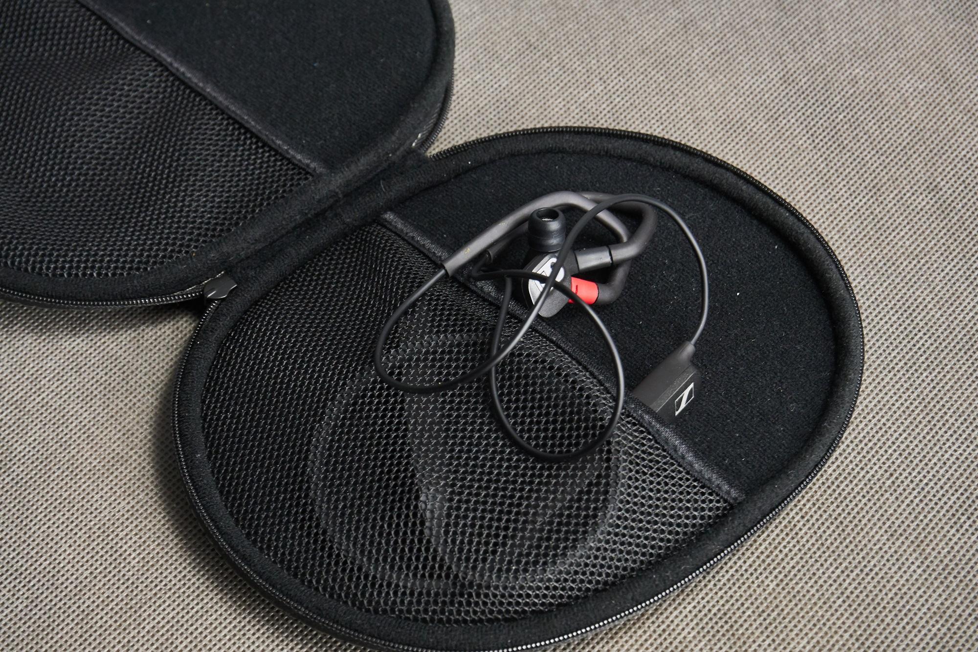Recenzja Sennheiser IE 80S BT - czy świetnie brzmienie jest wszystkim, czego oczekujemy od słuchawek? 23