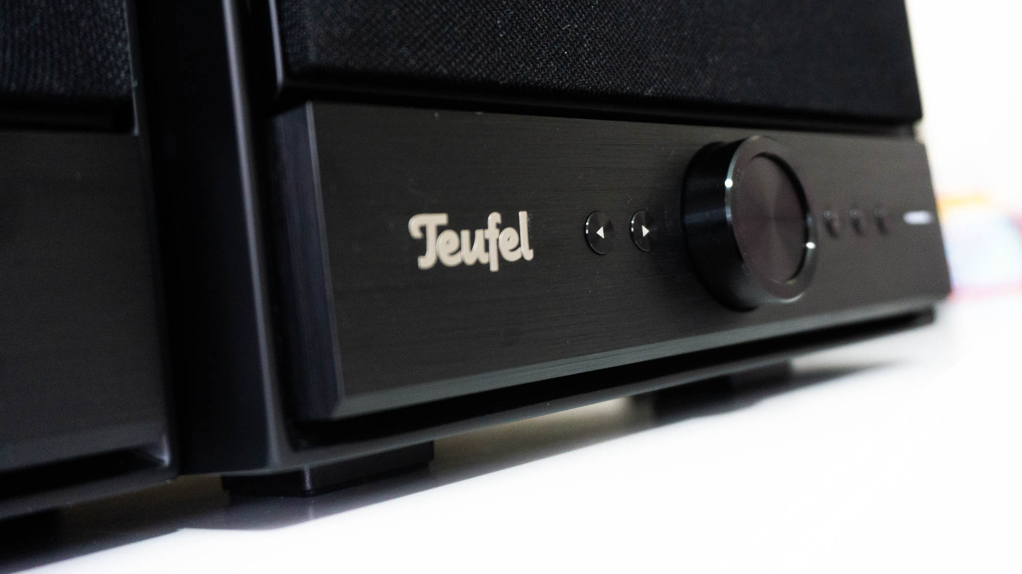 Dyskretny dostawca wielkiej przyjemności - Teufel Stereo M (recenzja)