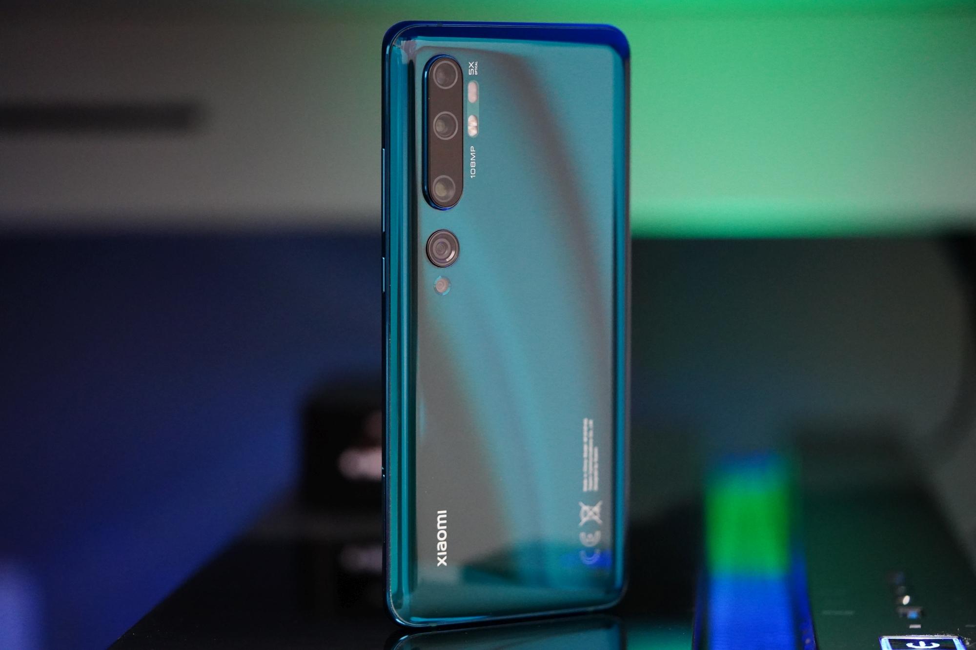 Jeśli smartfon do 2100 złotych, to... który? 20