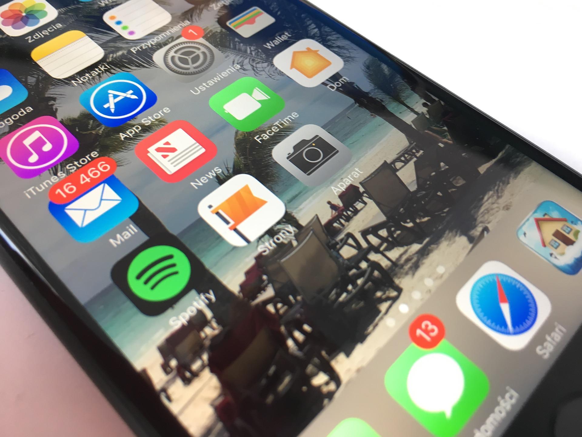 iPhone 7 z Androidem 10? Poznajcie projekt Sandcastle 19