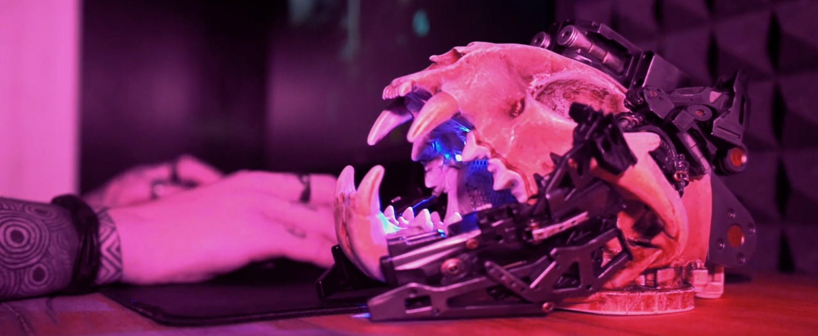 Dotąd nie wiedziałeś, że potrzebujesz głośnika Bluetooth w kształcie czaszki cyber-rysia 22