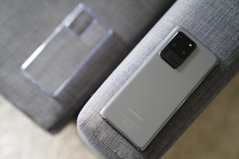 Sprzedaż smartfonów w Polsce: Samsung nadal liderem 23