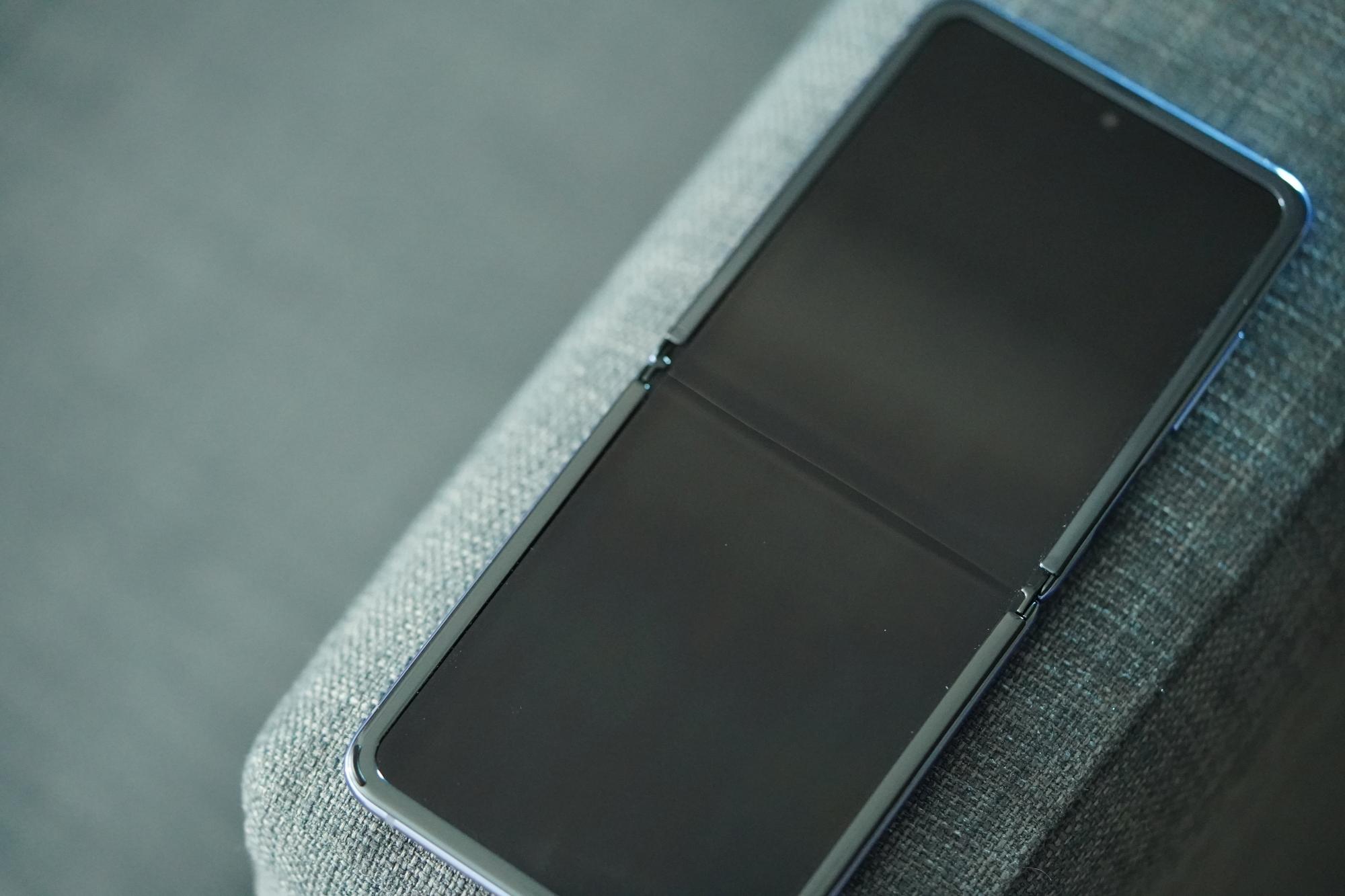 Niby Huawei nie było zainteresowane składańcem pokroju Samsunga Galaxy Z Flip, ale to ściema 23