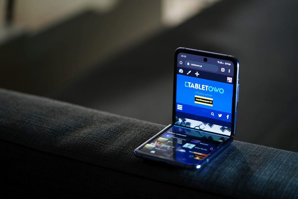 Składane smartfony trafią pod strzechy? Samsung planuje produkcję taniej wersji Galaxy Folda 22 składany smartfon