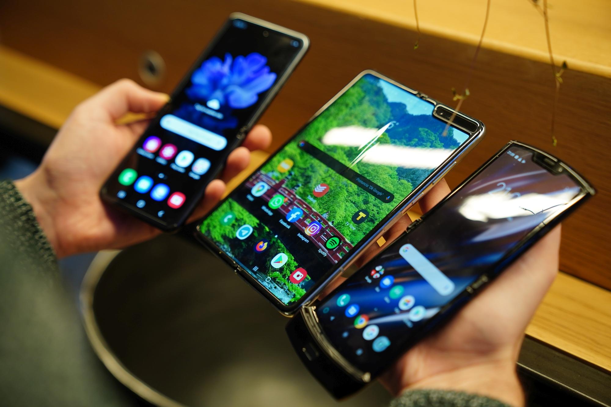 """Samsung podobno szykuje """"tanią"""" wersję Galaxy Fold"""