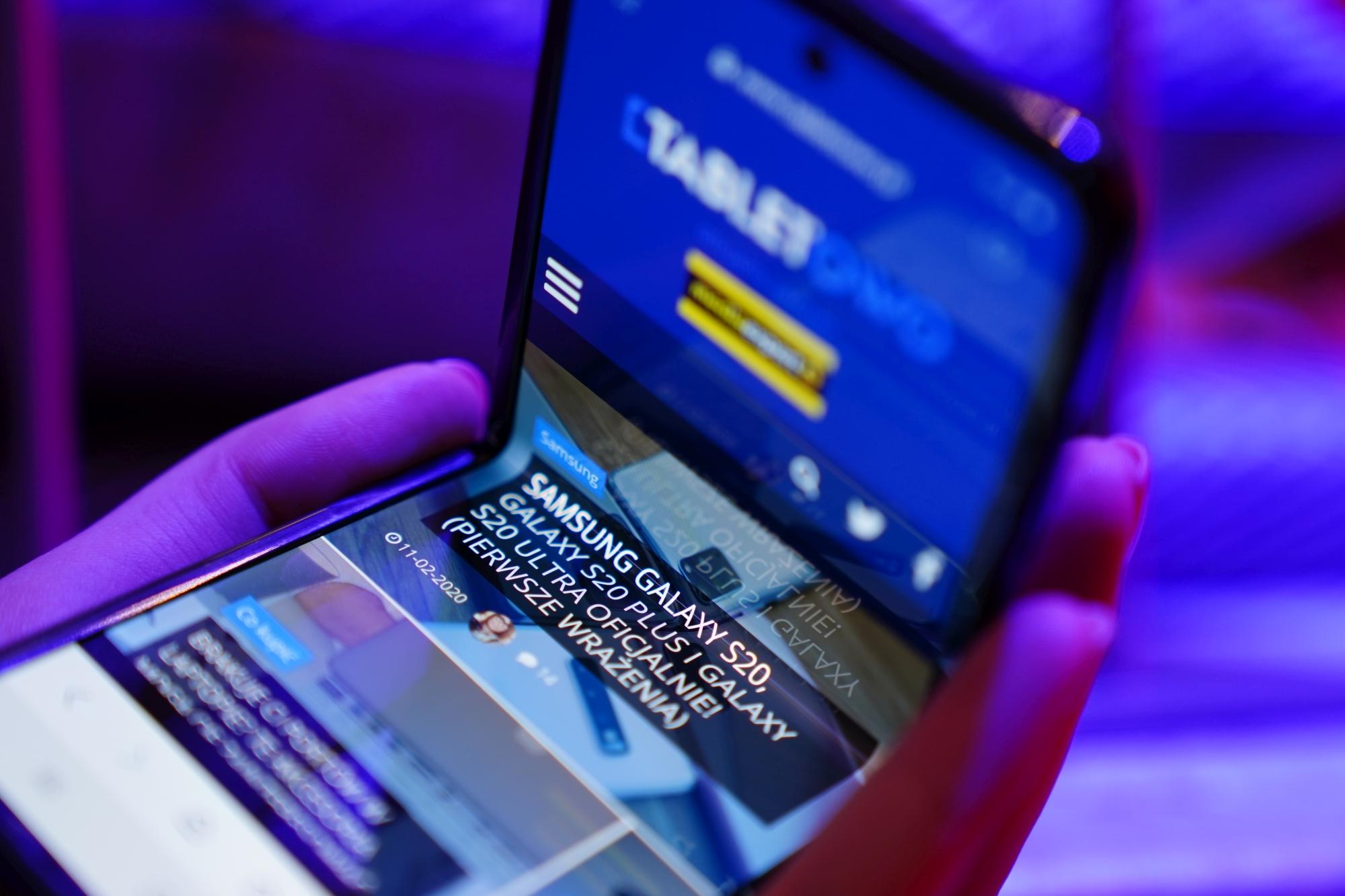 Samsung Galaxy Z Flip 5G - bez niespodzianek 21