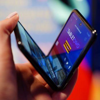 Ekran w Huawei Mate X2 będzie składał się do wewnątrz, a nie na zewnątrz 20