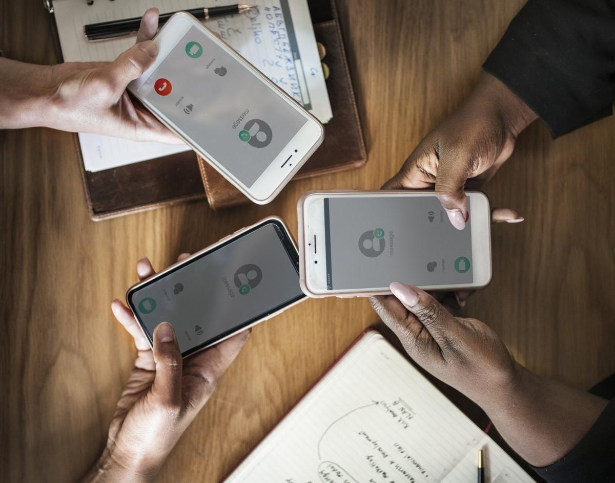 Jakie są limity liczby uczestników grupowych połączeń wideo w popularnych komunikatorach? 22