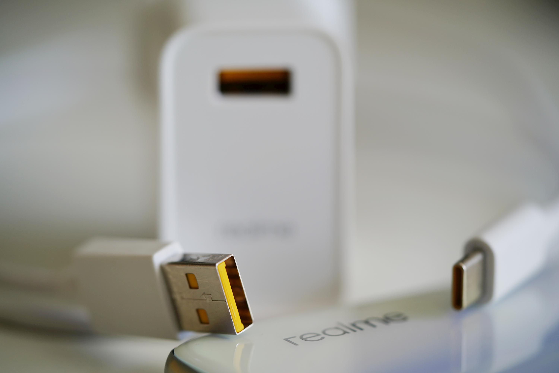 Smartfony realme wkrótce będzie można ładować z oszałamiającą mocą 125 W 17 UltraDART Flash