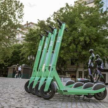 Bolt uruchamia elektryczne hulajnogi w Białymstoku. Jest tanio! 26