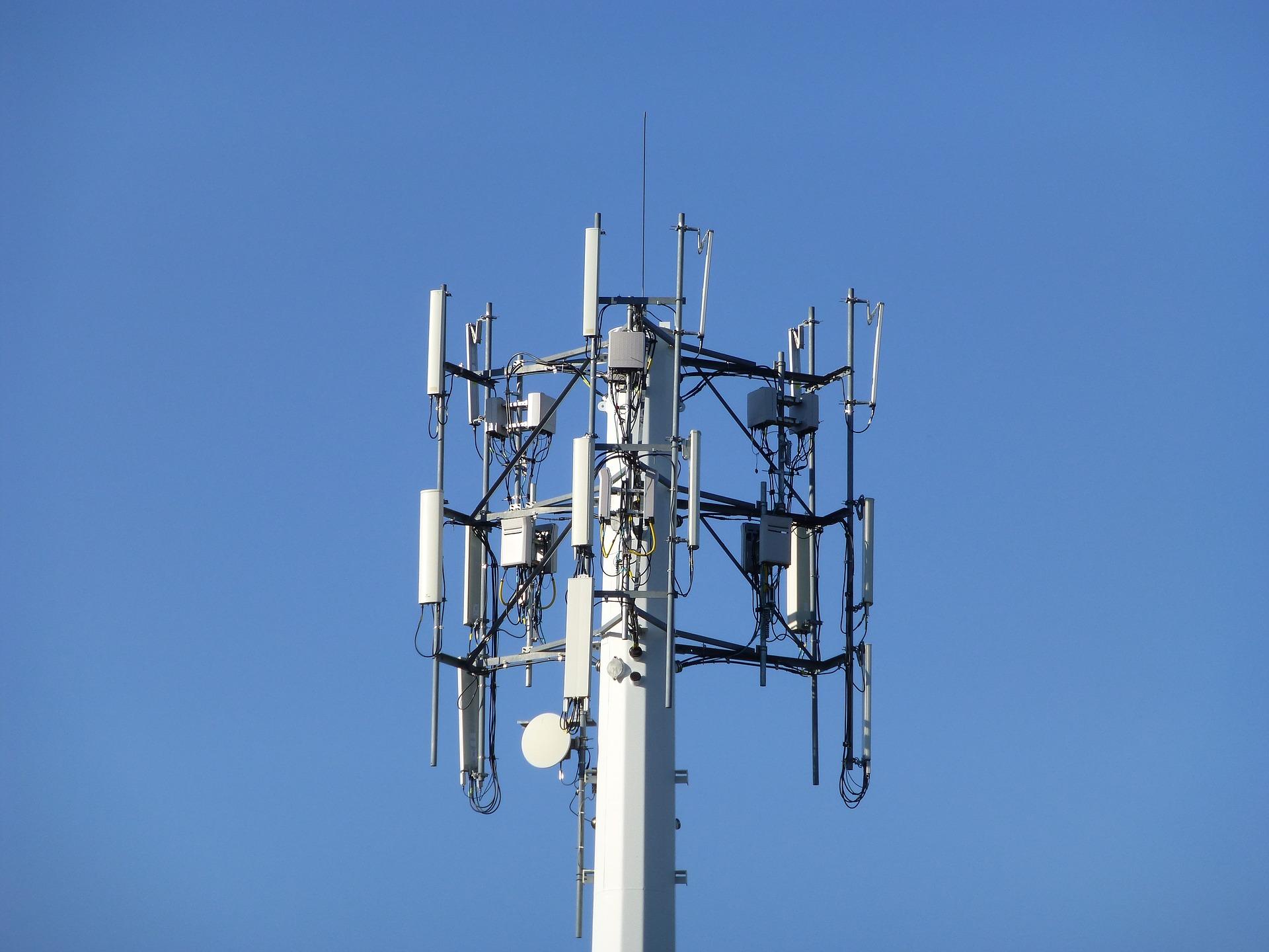 Kiedy ruszy aukcja częstotliwości dla 5G w Polsce? UKE nie powinno się ociągać 18