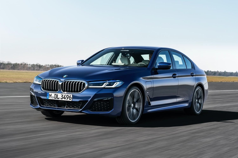 """BMW serii 5 i X1 – kolejne """"Bawarki"""" zostaną w pełni zelektryfikowane 17 BMW"""