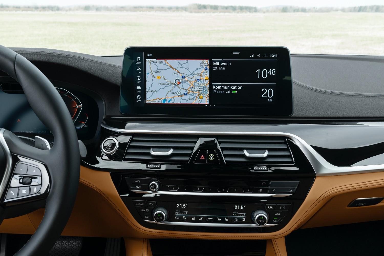 BMW odświeża serię 5 i wreszcie wprowadza Android Auto 19