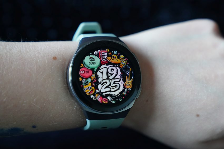 Recenzja Huawei Watch GT 2e - usportowiona i tańsza wersja Watcha GT 2 64