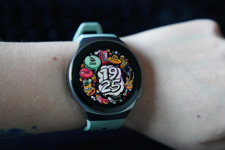 Huawei Watch GT 2e teraz stówkę taniej. Obniżono też cenę Huawei Band 4 Pro