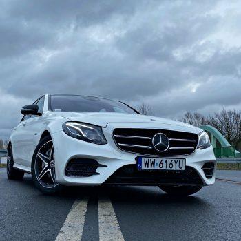 W oprogramowaniu Mercedesa odkryto 19 luk. Możliwe było zdalne uruchomienie silnika 19