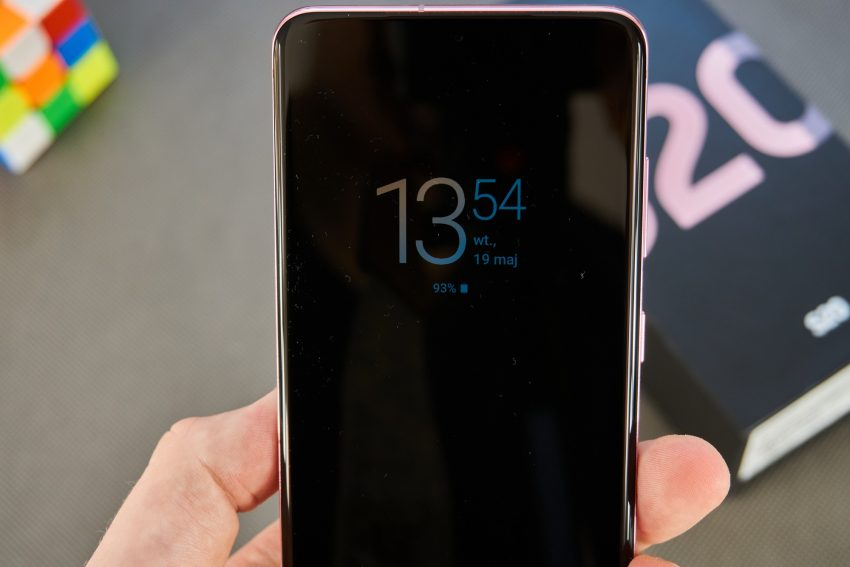 Samsung Galaxy S20 - najmniejszy z serii, choć wcale nie mały (recenzja) 18