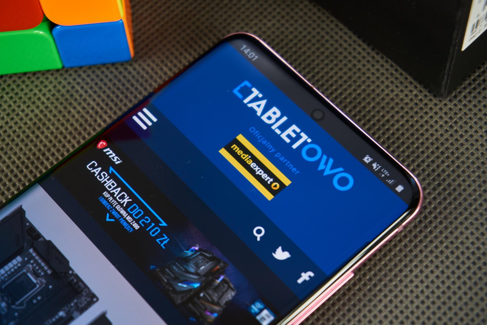 OnePlus 9, podobnie jak Galaxy S20, będzie miał ekran z otworem na aparat w centralnej części