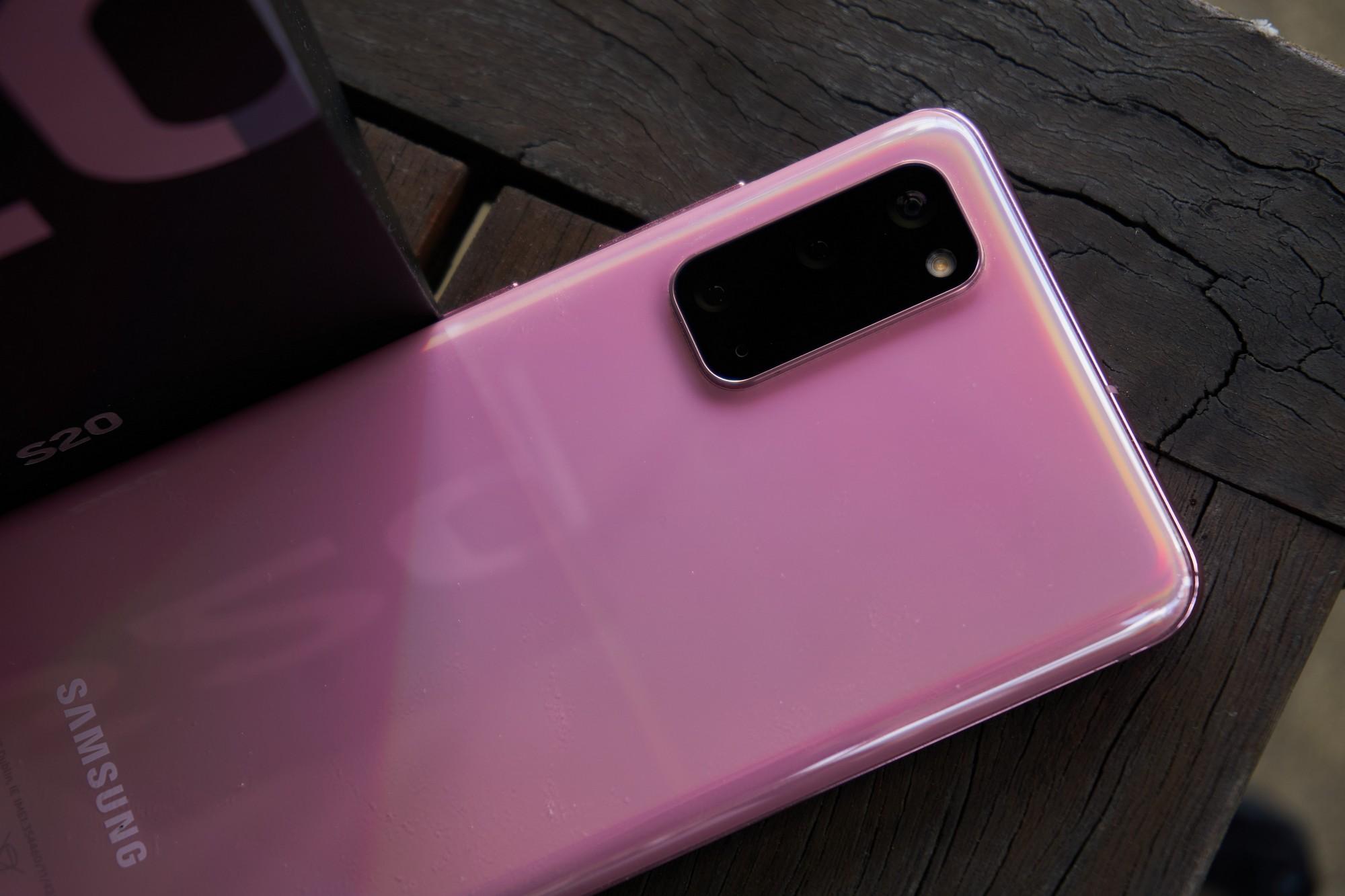 Samsung Galaxy S20 - najmniejszy z serii, choć wcale nie mały (recenzja) 112