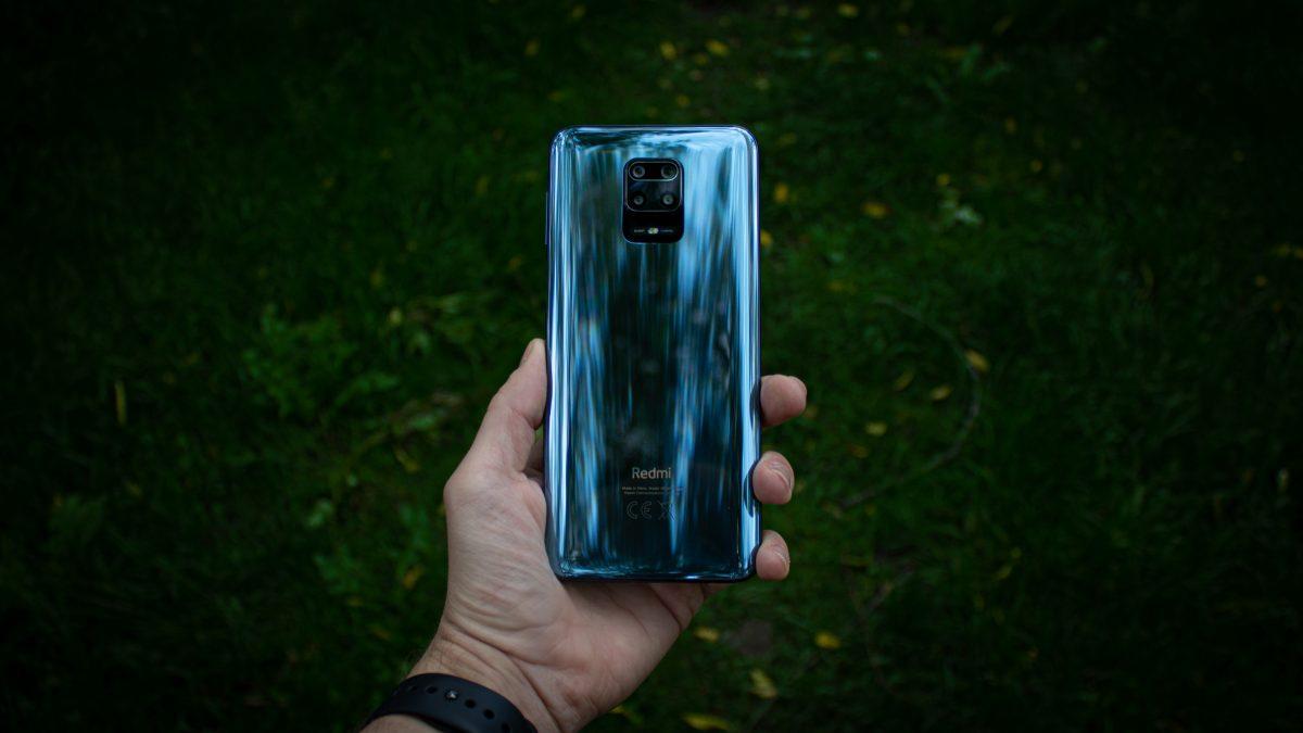 Jaki smartfon do 1500 złotych warto kupić? Wybór jest dość ograniczony 24