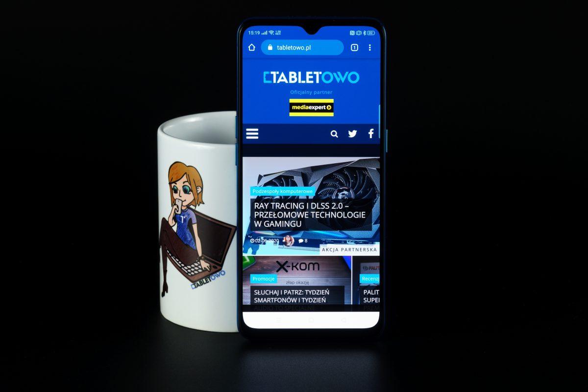 Jaki smartfon do 1500 złotych warto kupić? Wybór jest dość ograniczony 26