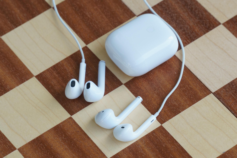 Realme Buds Air, etui i EarPodsy