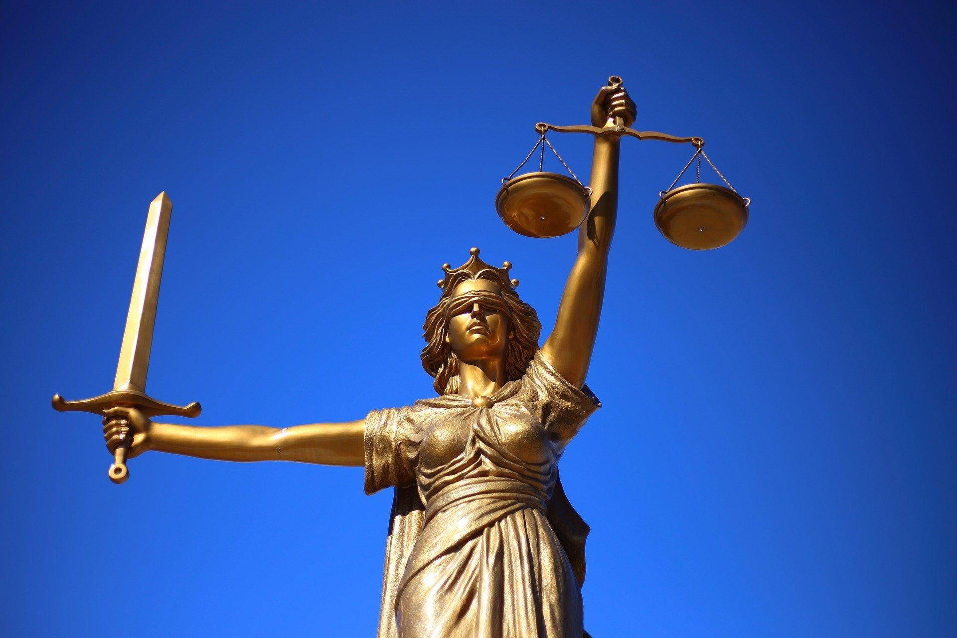 Zmiany w kodeksie wykroczeń: areszt za utrudnianie zdalnego nauczania i patostreamy 27
