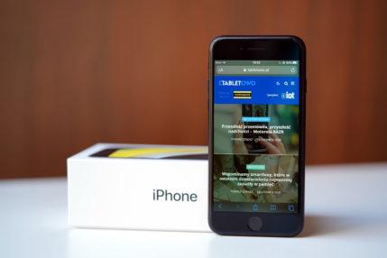 Niepozorny iPhone SE nadal cieszy się dużym zainteresowaniem