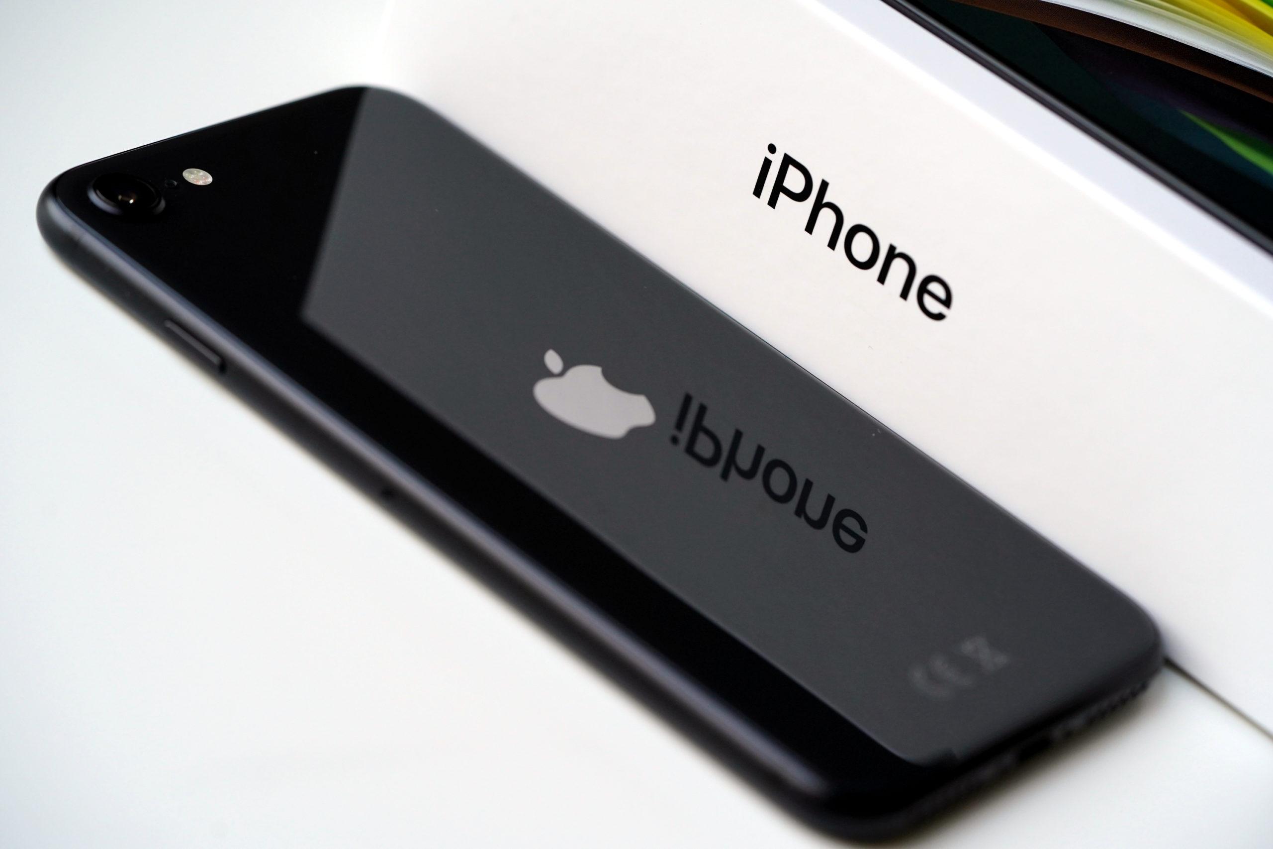 To był dobry rok dla Apple. Sprzedaż (i cena) iPhone'a wzrosła także w Europie