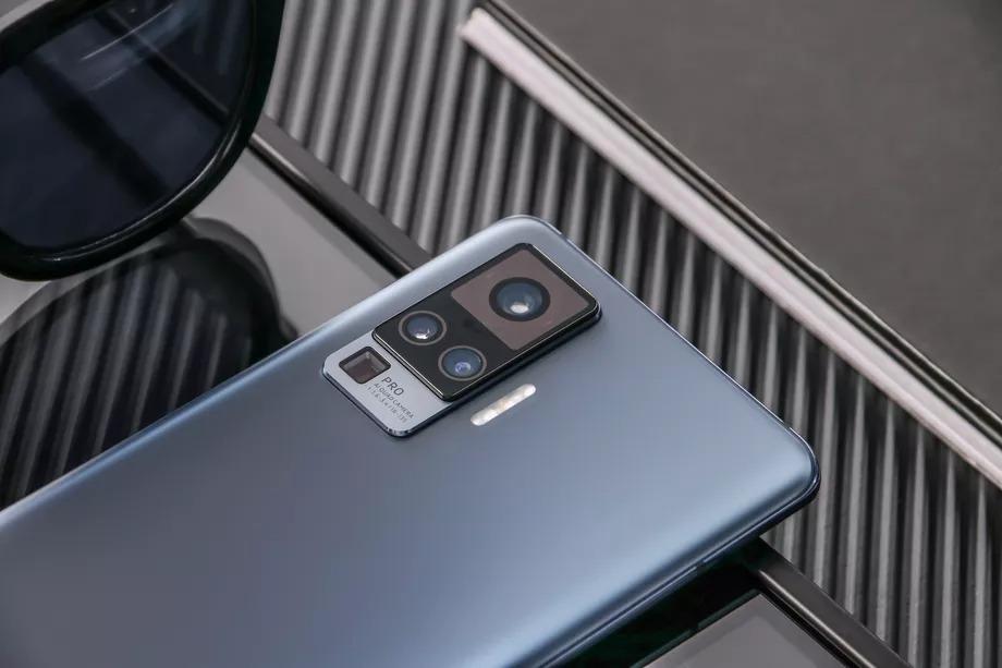 Vivo X50 Pro - smartfon z gimbalem w kamerze zaprezentowany 17