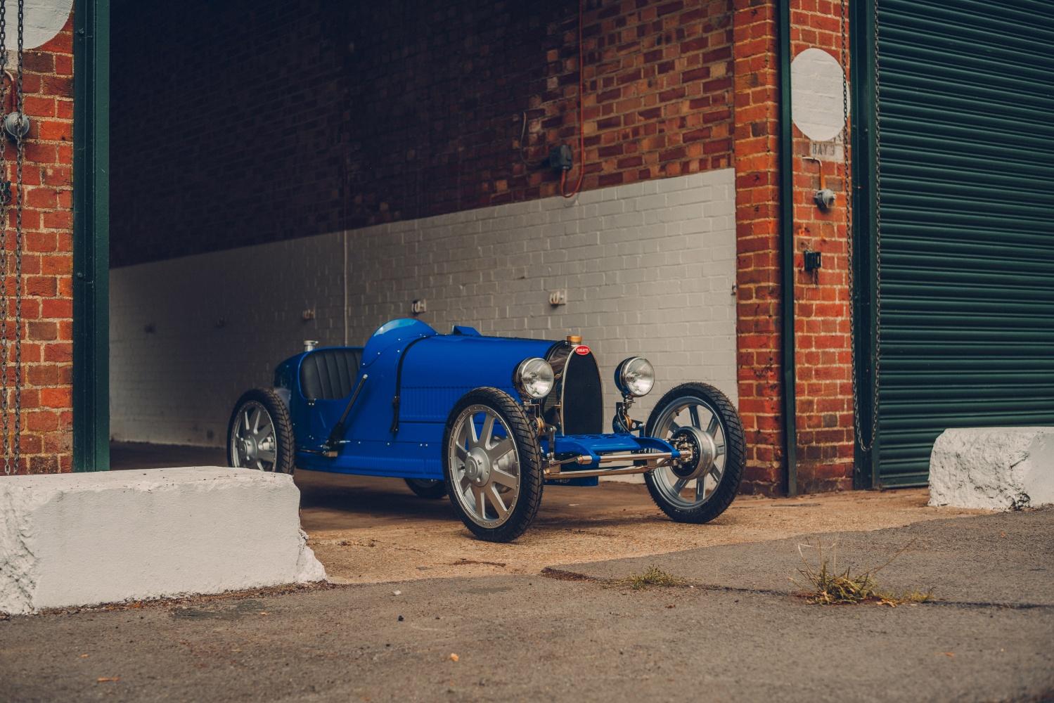 Bugatti Baby II to oldschoolowy samochód elektryczny dla 14 latków
