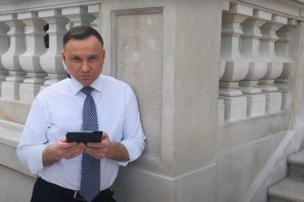 """Światłowód w każdym domu? Andrzej Duda prezentuje """"Kartę wolności w sieci"""" 23"""