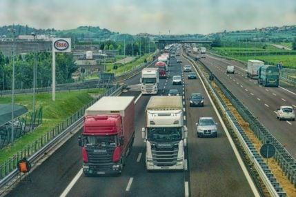 Nowy system poboru opłat drogowych – geolokalizacja i mobilna aplikacja 21