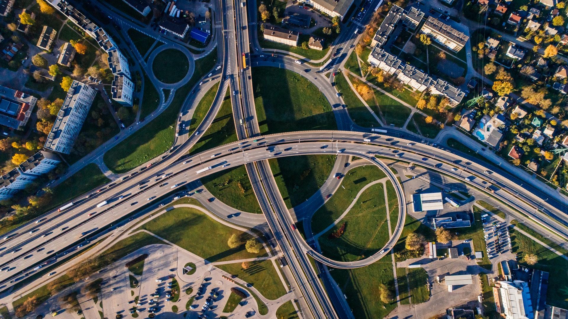 Wyobraźcie sobie, że ta autostrada to infrastruktura 5G ;)