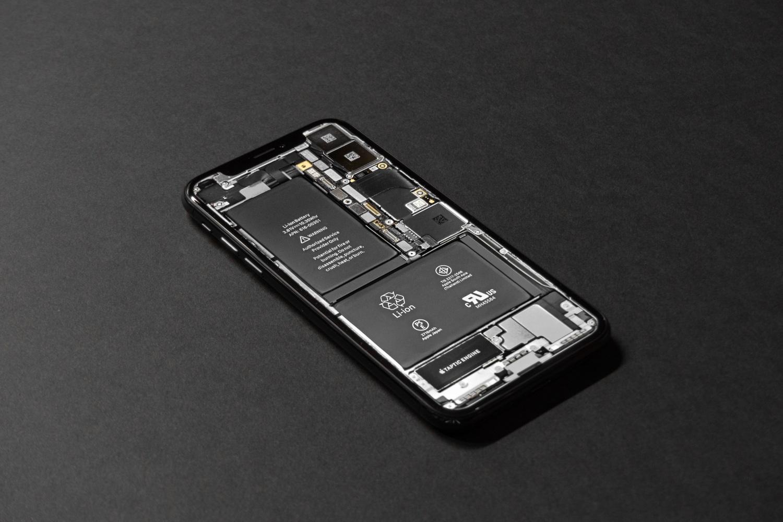 iOS 13.5.1 i poważny problem z akumulatorem. Tylko 5 godzin na jednym ładowaniu 18