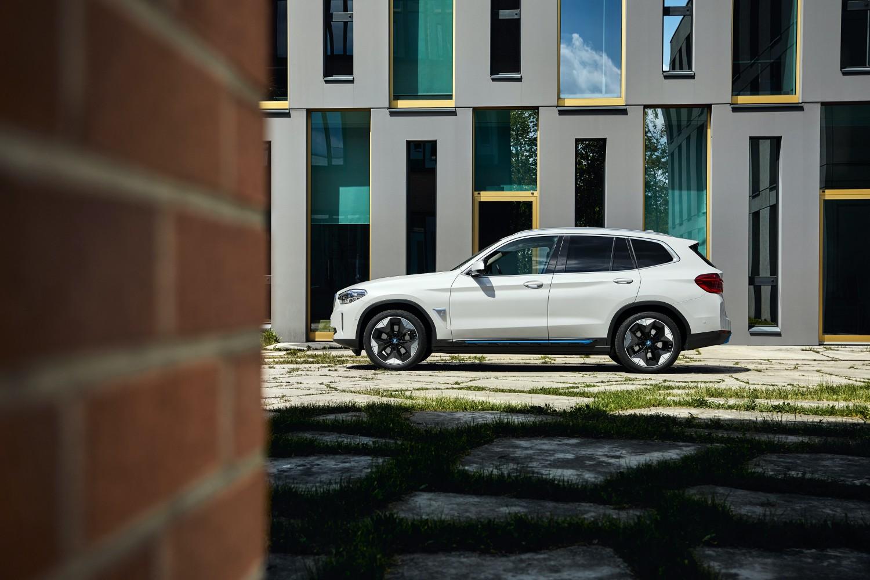 BMW iX3 – w pełni elektryczny SUV