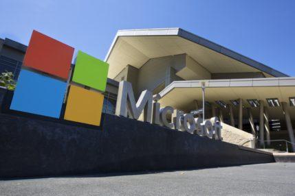 Microsoft zarabia miliardy dolarów mimo pandemii koronawirusa