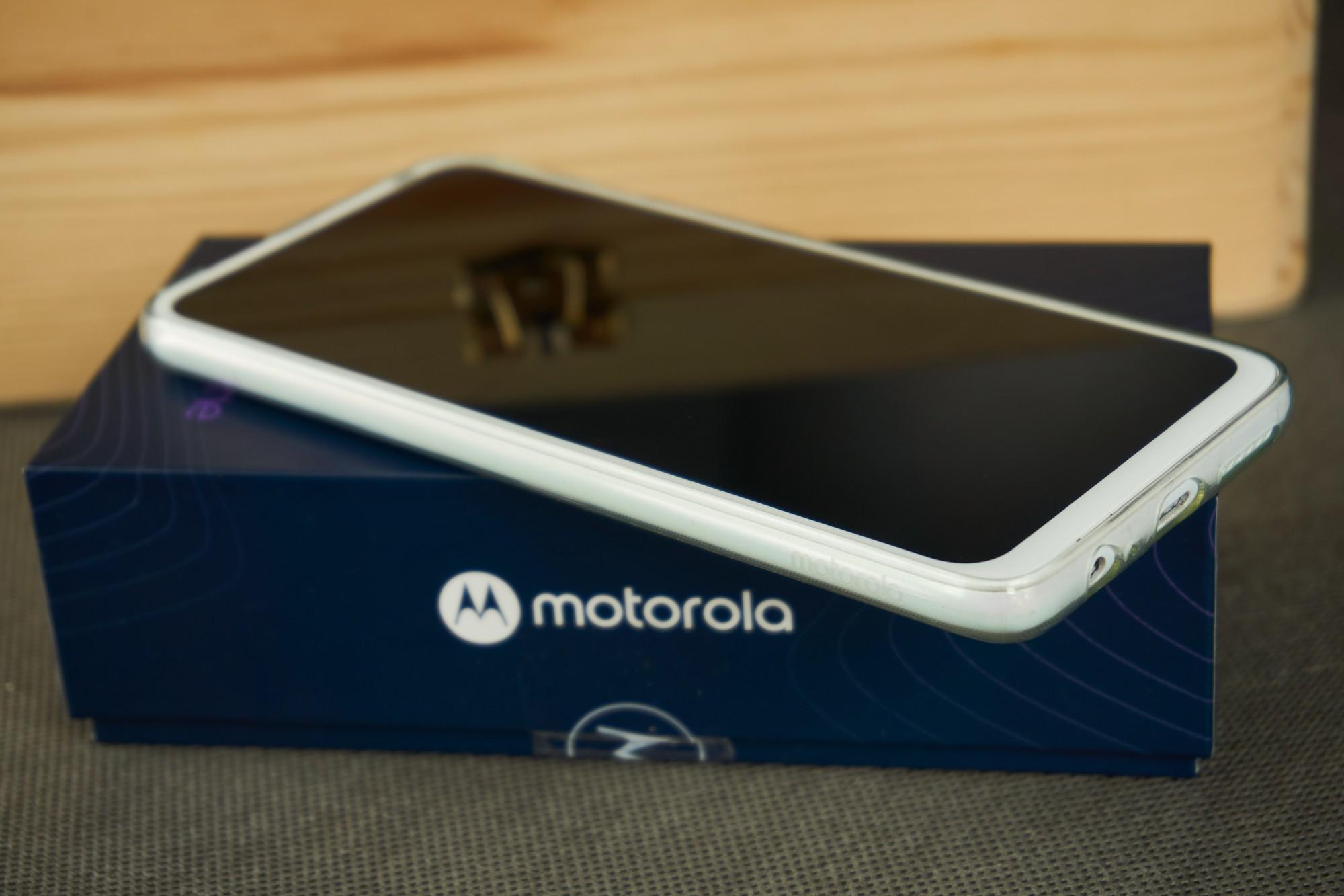 Motorola One Fusion+ to średniak, któremu brakuje tylko NFC (recenzja) 22