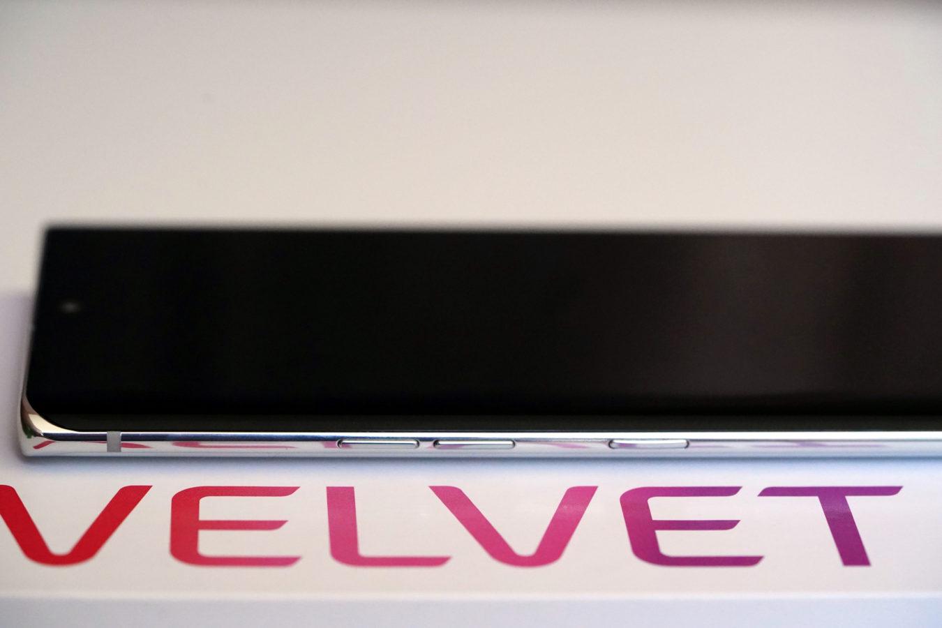 Recenzja LG Velvet. Żarty z papieru na bok - to naprawdę fajny smartfon