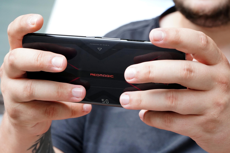 Nubia Red Magic 5G - smartfon TYLKO dla graczy, niestety 24