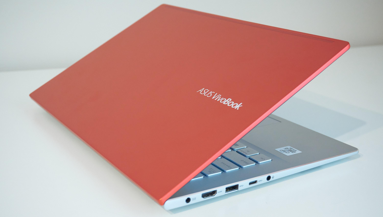 Asus VivoBook S14 fot. Tabletowo.pl