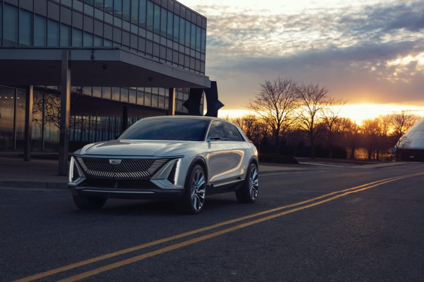 Cadillac Lyriq – elektryczny SUV z ogromnym, 33-calowym ekranem 26