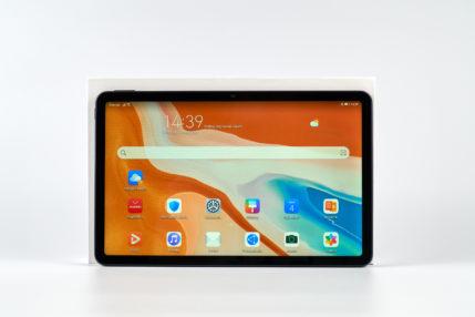 Huawei MatePad 10 z włączonym ekranem